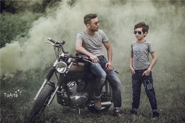 Bộ ảnh đơn giản, chân chất đi từ quá khứ đến hiện tại khiến cho mỗi người xem đều trở lại tuổi thơ đặc biệt là đối với những người đã làm bố.