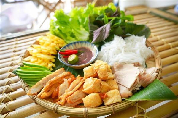 Gọi tên 36 phố phường qua những món ăn ngon thần sầu