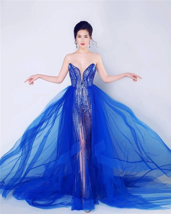 Vào tối qua (theo giờ Thái Lan), đêm chung kết cuộc thi Hoa hậu Đông Nam Á 2016 đã chính thức diễn ra. Với vẻ ngoài ngọt ngào, quyến rũ, sáng sân khấu, thí sinh Mai Ngân đến từ Việt Nam giành chiến thắng thuyết phục.