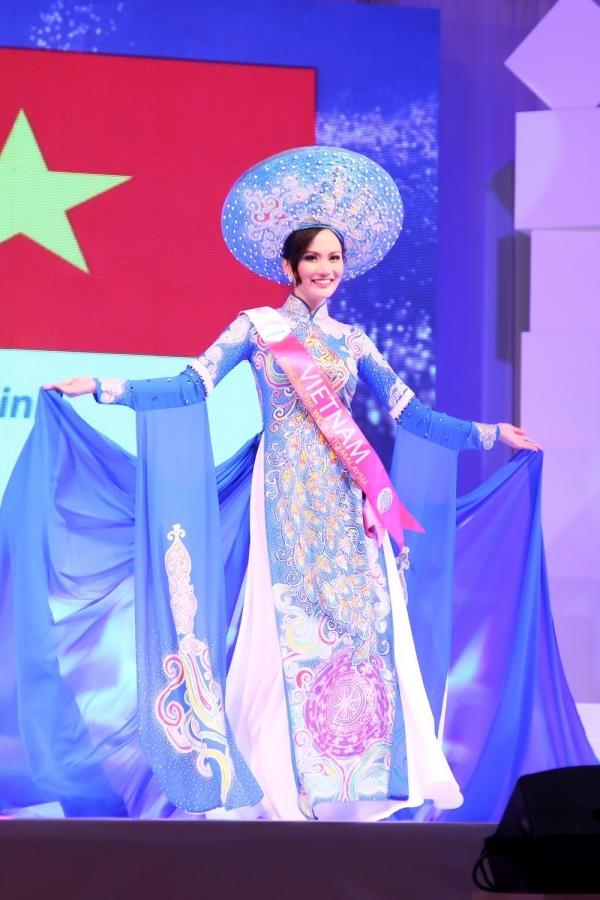 """Lời nguyền """"thi chui là đậu"""" của người đẹp Việt Nam lặp lại"""