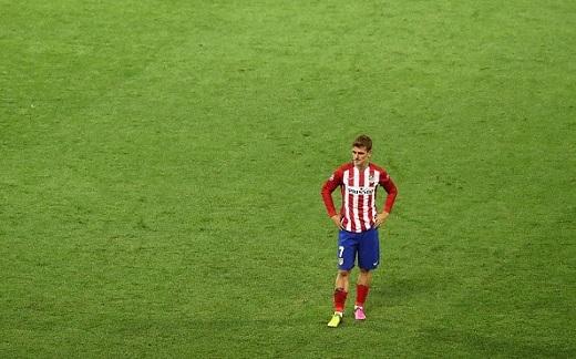 Khẩu đại pháo Antoine Griezmann - người hùng đưa Atletico đến trận chung kết bỗng hóa thân thành tội đồ. Có lẽ chân sút người Pháp sẽ còn dằn vặt rất lâu về cú sút penalty hỏng ăn.
