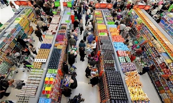 3. Nhạc có giai điệu chậm khiến khách hàng lưu lại lâu hơn Một số cửa hàng, siêu thị mở những loại nhạc có giai điệu chậm hơn nhịp tim nhằm khiến khách hàng lưu lại lâu hơn và mua sắm nhiều hơn.