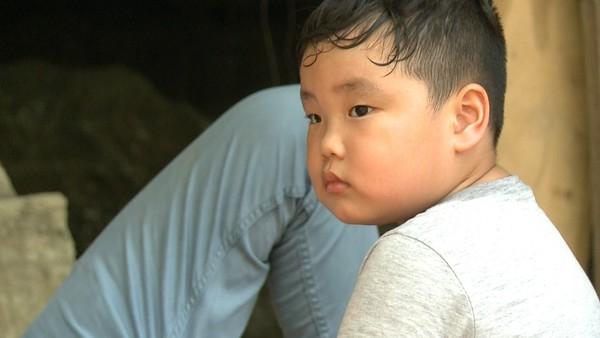 Dù còn nhỏ tuổi nhưng Bi béođã là một cậu bé khá tự lập. Điều này xuất phát từ sự uốn nắn thuở bé màông bố nổi tiếng dành choBi. - Tin sao Viet - Tin tuc sao Viet - Scandal sao Viet - Tin tuc cua Sao - Tin cua Sao