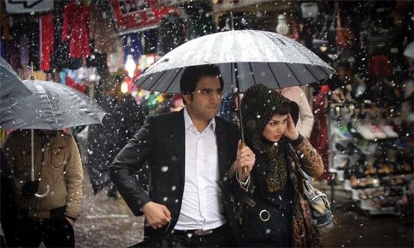 Tình yêu ở một đất nước Hồi Giáo như Iran thật trắc trở. (Ảnh: Internet)