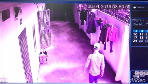 Một nam thanh niên được cholà đồng bọn trong vụ trộm tháng 4. (Ảnh: Cắt clip)