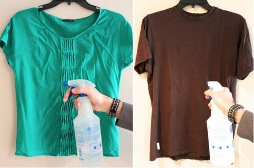 Pha giấm và nước xịt lên quần áo sẽ giúp đỡ nhăn hơn. (Ảnh: Internet)