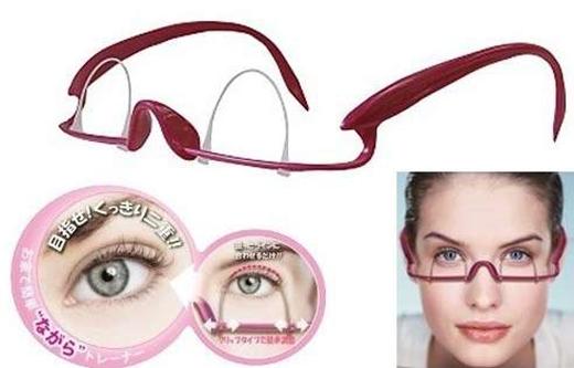 Với sản phẩm này, bạn không cần phải dùng đến phẫu thuật thẩm mỹ mới có đôi mắt hai mí long lanh. Liên tục sử dụng sẽ mang lại cho bạn kết quả không ngờ nhưng mà bạn có đủ dũng cảm hay không mà thôi. (Ảnh: Internet)