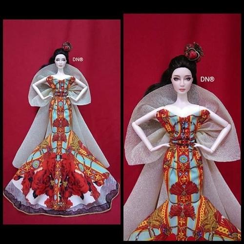 """Một bộ váy khác mà Duy Nguyễn thực hiện cho """"búp bê Phạm Băng Băng""""."""