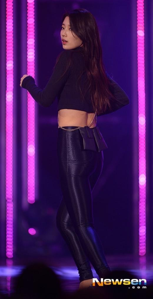 Người hâm mộ Kpop đều biết Suzy (Miss A) sở hữu thân hình kém hoàn hảo và số đo vòng 3 khiêm tốn chính là một trong những khuyết điểm trên cơ thể nữ ca sĩ.