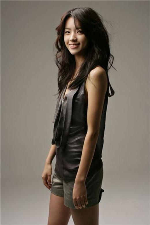 """Han Hyo Joo sở hữu nhan sắc """"vạn người mê"""" cùng nụ cười được đánh giá là đẹp nhất xứ Hàn nhưng cô lại """"mất điểm"""" với vòng 3 kém hấp dẫn."""