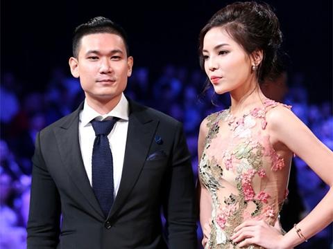 Không khó để công chúng nhận ra chàng trai ngồi bên cạnh cô cũng chính là vị doanh nhân trẻ tuổi đã đấu giá thành công bộ váy của Kỳ Duyên trong một sự kiện thời trang gần đây. - Tin sao Viet - Tin tuc sao Viet - Scandal sao Viet - Tin tuc cua Sao - Tin cua Sao