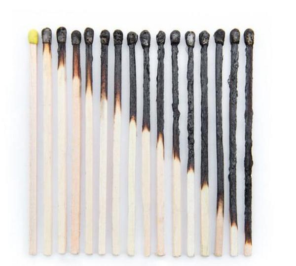 18. Sản phẩm nghệ thuật chỉ từ những que diêm cháy cũng khiến mắt người thấy thỏa mãn.