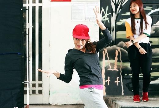 """Mỹ Tâm """"khoe hoa tay"""", trổ tài nhảy hiphop trên phố - Tin sao Viet - Tin tuc sao Viet - Scandal sao Viet - Tin tuc cua Sao - Tin cua Sao"""