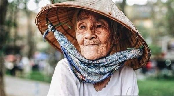Chân dung bà cụ đáng thương được Kim Anh giúp đỡ. Ảnh: NVCC.