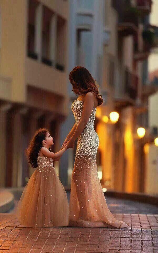 Thiên thần của mẹ luôn xinh đẹp giống mẹ. (Ảnh: Internet)