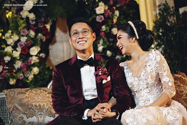 Nụ cười hạnh phúc của đôi vợ chồng trẻ. (Ảnh: Internet)