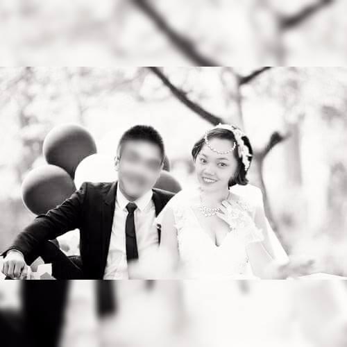 Tấm ảnh cưới đen trắng được ghép rất mộc mạc như chính tình yêu của A.T. gửi đến người chồng của mình - (Ảnh: trang cá nhân).