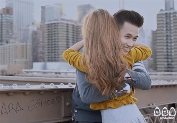 """MV được đầu tư chỉn chu, kĩ lưỡng với các góc quay đẹp tới """"mê hồn""""."""