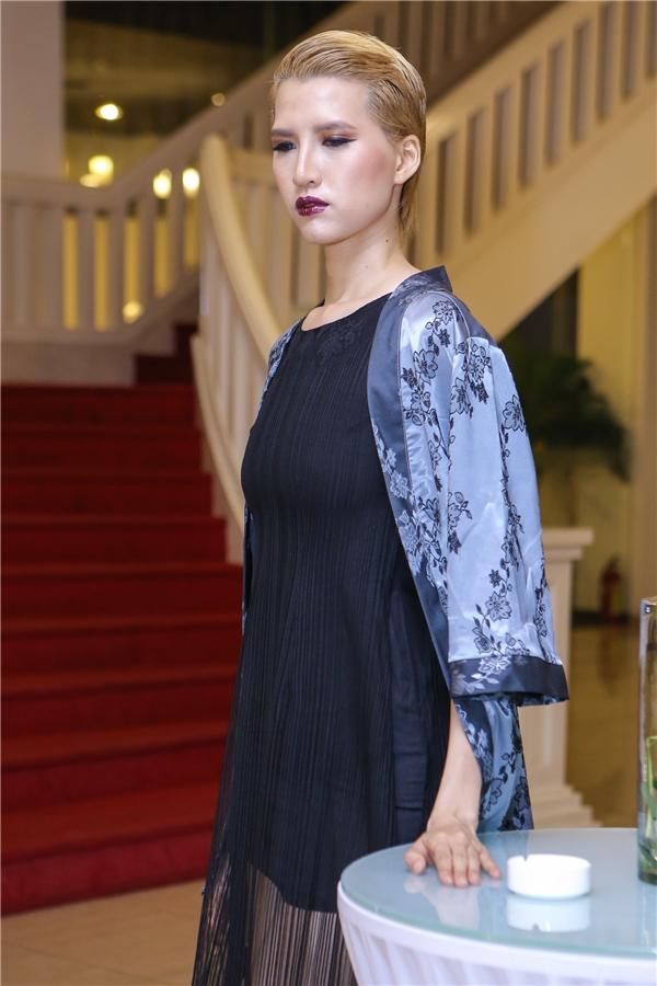 Tuy thần thái chưa hẳn nổi trội nhưng so với hồi mới tham gia Vietnam's Next Top Model cô đã hoàn toàn lột xác.