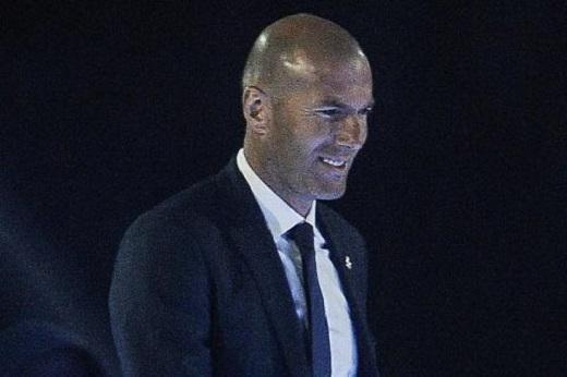 Zidane nở nụ cười chiến thắng