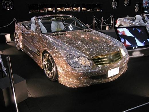 Bạn có muốn một chiếc xe nạm đầy kim cương như thế này? (Ảnh: Internet)