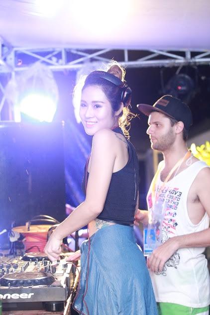 DJ Linh Su cùng phút ngẫu hứng với DJ điển trai Spectrum.