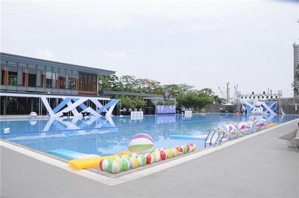 Chương trìnhđúng nghĩa là thiên đường tiệc tùng ngoài trời cuối tuần vì các bạn trẻ đã không còn hứng thú với những không gian giải trí nhỏ, chật hẹp và ngột ngạt trong nội thành Hà Nội.