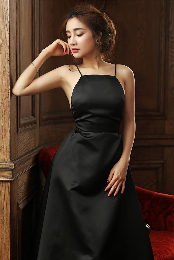 Không phụ kiện rườm rà, không đầu tóc cầu kỳ, chỉ cần thần thái và trang phục phù hợp.