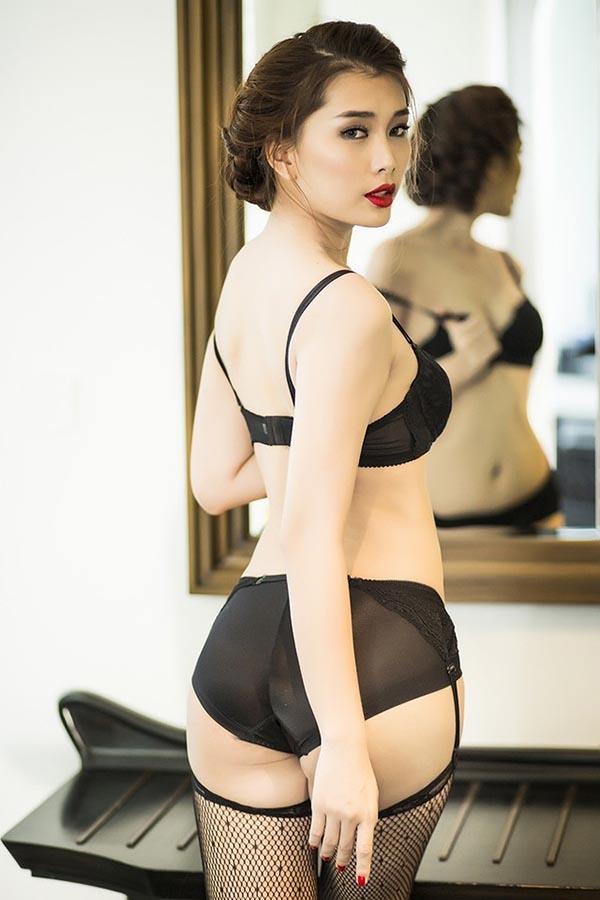 Lan Hương sinh năm 1989, sở hữu hình thể nóng bỏng, gợi cảm. Sau khi rút khỏi Venus, cô dần vắng bóng trên sàn diễn cũng như các sự kiện trong V-biz. Hiện tại, theo một số thông tin, cô đang tập trung cho công việc kinh doanh.