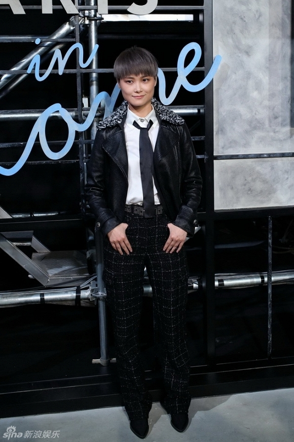 Ca sĩ Lý Vũ Xuân với thời trang tomboy thường thấy