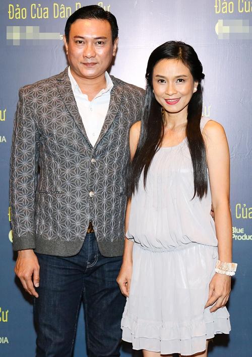 Nghệ sĩ Hoàng Phúc và Ngọc Hiệp rạng rỡ tại lễ công bố ra mắt phim.