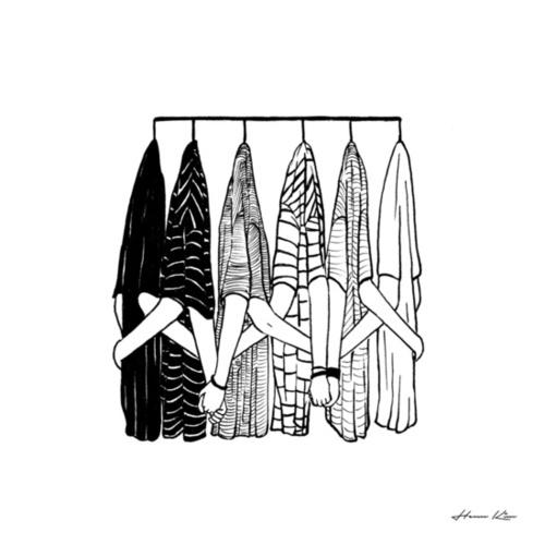 Nhiềumối quan hệgiống như những chiếc áo trong tủ đồ của bạn. Chúng xuất thân từ các nhãn hàng khác nhau, hoàn toàn không có điểm chung gì nhưng cuối cùng lại về cùng một sào, treo cùng một móc, chia sẻ với nhau một khoảng không gian chung. (Ảnh: Internet)