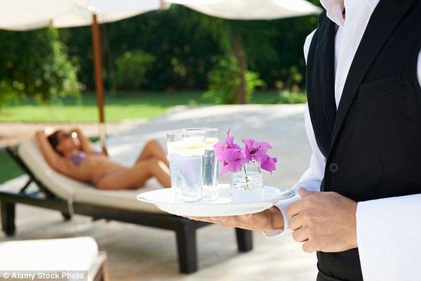 Khách sạn là nơi hẹn hò của những người có gia đình đi ngoại tình.