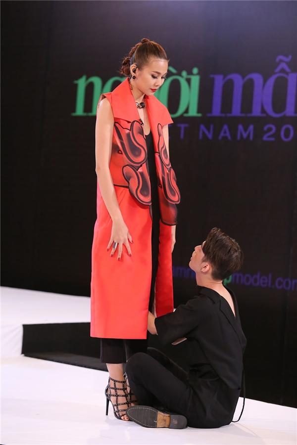 Giám khảo Next Top Model liên tục xỉ vả thí sinh