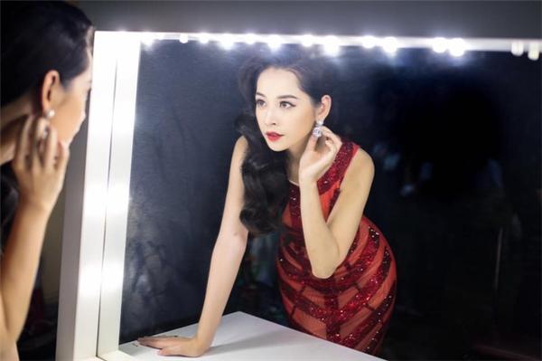 Thời trang tinh tế, Chi Pu ngày càng lấn át các đàn chị trên thảm đỏ