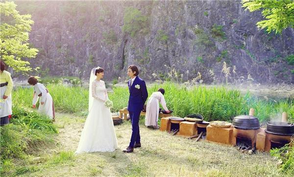Đám cưới giản dị nhưng tràn ngập hạnh phúc của sao Hàn