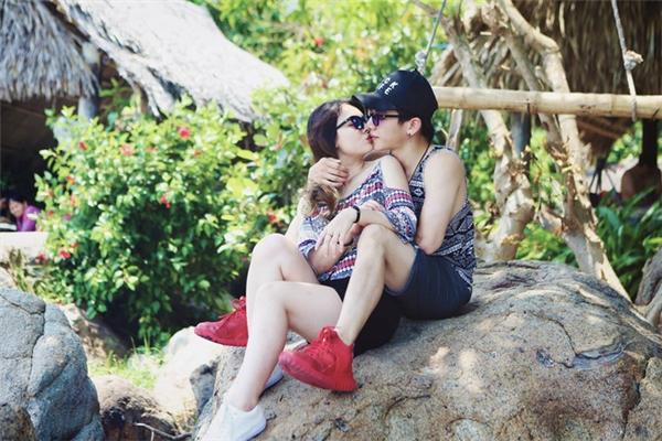 Chuyện tình lãng mạn của họ khiến không ít người ngưỡng mộ, ghen tỵ.