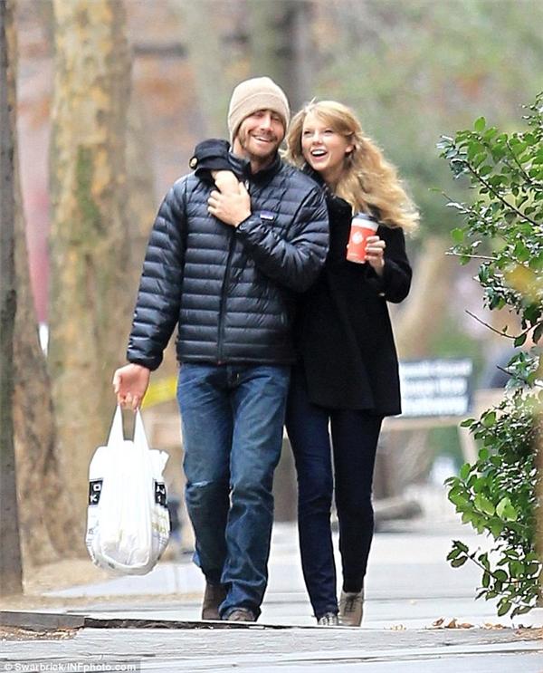 Jake Gyllenhaal tiếp tục khiến Taylor tự hỏi mình đã làm gì khiến cho bạn trai nói lời chia tay
