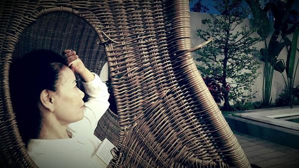 Khu vực sân vườn là nơi nghỉ ngơi thư giãn yêu thích của mẹ Hà Hồ. - Tin sao Viet - Tin tuc sao Viet - Scandal sao Viet - Tin tuc cua Sao - Tin cua Sao