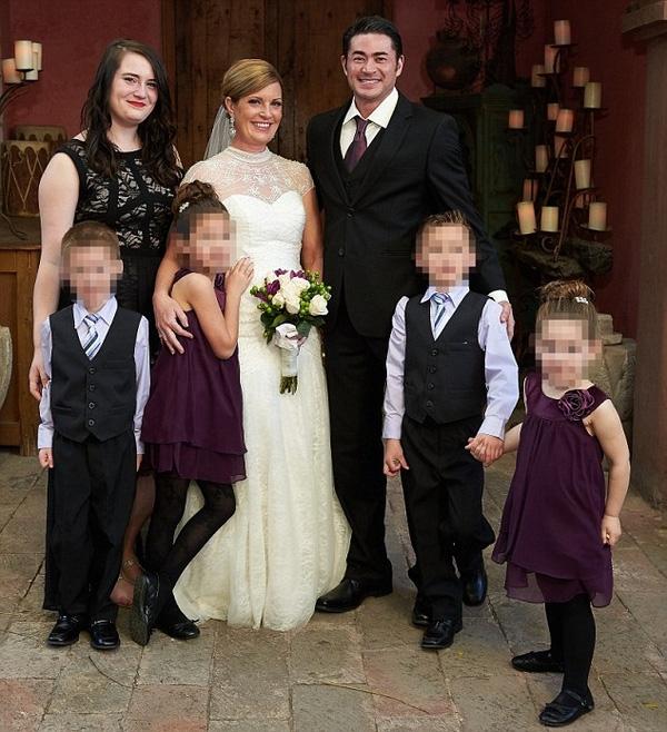 Cuộc sống gia đình họ luôn rộn tiếng cười hạnh phúc. (Ảnh: Dailymail)