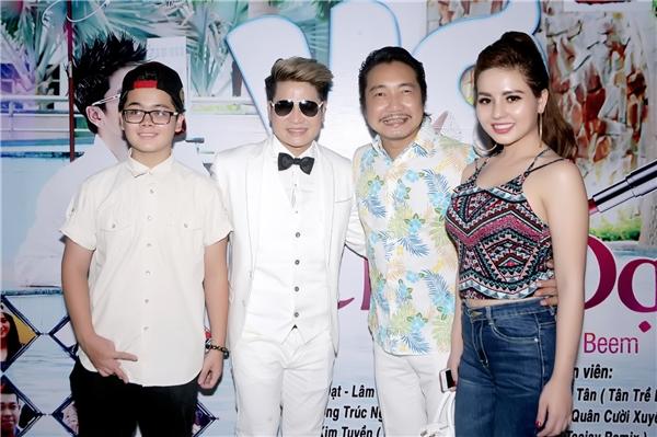 Riêng MV Bay Cao Bay Xa -một sáng tác của nhạc sĩ trẻ Lê Bảo Bình -do đạo diễn Quách Beem thực hiện với những góc máy hiện đại.Mặc dù quay tại Vũng Tàu nhưng đạo diễn đã khéo léo đưa các cảnh quay nhìn giống MV các nước Âu Mỹ với phong cách lạ mắt và ấn tượng.