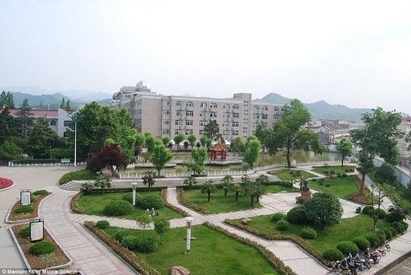 Trường trung học Maotanchang nổi tiếng nhờ thành tích thi cử đáng nể.