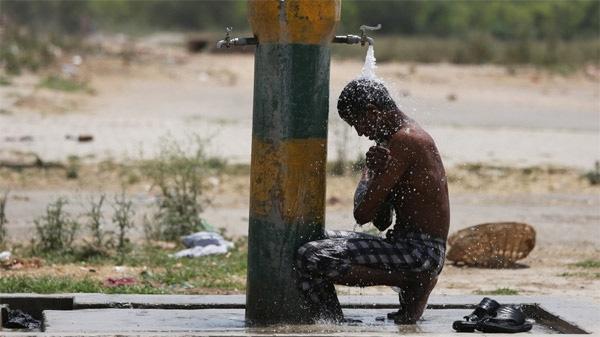 Ấn Độ đang trải quá đợt nắng nóng kỉ lục trong lịch sử.