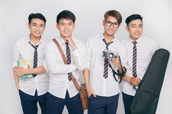 Trước khi chính thức ra mắt khán giả với phiên bản mới, nhóm đã phát hành single đầu tiên mang tên Sài Gòn - Nhịp đập tuổi trẻ để tri ân và cám ơn những khán giả luôn ủng hộ, mến mộ V.Music bấy lâu.