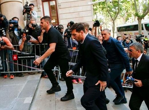 Vụ cáo buộc liên quan đến Lionel Messi gây chú ý rất lớn tại thành phố Barcelona.