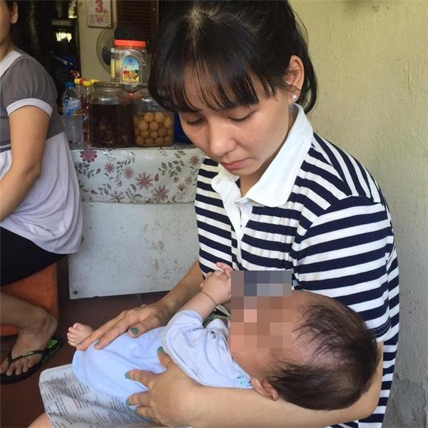 Người dân vô cùng xót xa trước hoàn cảnh đặc biệt của cậu bé 2 tháng tuổi.(Ảnh: Internet)