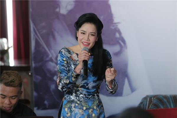 Thu Phương mong muốn tôn vinh vẻ đẹp người phụ nữ Việt Nam qua mọi thời đại. Bên cạnh đó, nữ ca sĩ muốn thể hiện lòng yêu nước, trân trọng những giá trị lịch sử dân tộc cũng như niềm tự hào về dân tộc.
