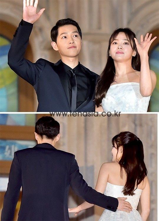 Song - Song gắn như sam trong đêm trao giải tối 3/6. Cư dân mạng còn phát hiện váy của Song Hye Kyo nằm trong bộ sưu tập váy cưới của một thương hiệu. Ảnh: Tenasia.