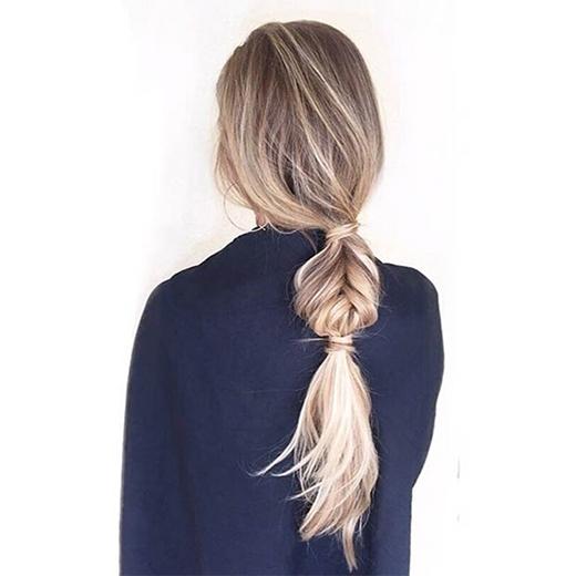 Nếu những ai sợ tóc buộc thấpsẽ làm mình già thì hãy thử kiểu tóc này. (Ảnh: Internet)