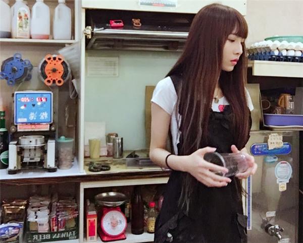 Hot girl trà sữa khiến dân mạng mê mệt.